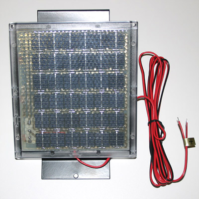 12 Volt Solar Charger w/Box Bracket